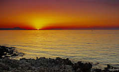 J###te Santorini (Nebelkuss) Tags: creta crete kriti rethymno rethymnom sunset puestadesol filtros filters cokin graduated graduado mediterraneo mediterranean fujixpro1 fujinonxf18f2 seascape