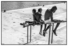 (sillon.photo) Tags: people nb bw composition marseille monochrome blackandwhite noiretblanc street streetphotography