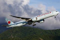 Air Canada   Boeing   777-333(ER)   C-FITU   Chek Lap Kok Airport   Hong Kong (TFG Lau) Tags: vhhh hkia hkg hongkong hongkonginternationalairport airplane aeroplane aircraft plane planespotting spotting canon canoneos eos eos5d ahkgap aircanada aca ac boeing boeing777 b777 b77w 777 cfitu staralliance star