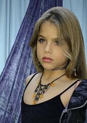 Modelo a los 7 años (alex6par2) Tags: estudio cuba fotografocubano kids cute