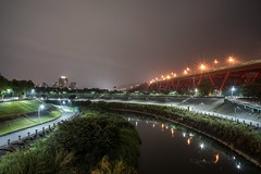 Daily walking-20190514 (Liang Hung Ma) Tags: near university green trees building reflection sony taipei superhighway road landscape light night river