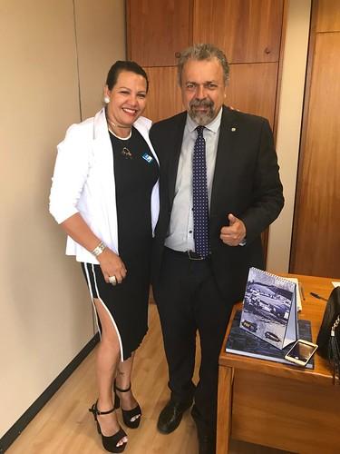 Deputado Elias e Simone (representante do Movimento pela Reforma Urbana de Goiânia)
