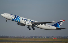 SU-GDT, Airbus A330-343, c/n 1230, EgyptAir, CDG/LFPG, 2019-02-17, off runway 27L. (alaindurandpatrick) Tags: ms msr egyptair airlines airliners a330 a333 a330300 airbus airbusa330 airbusa330300 jetliners cdg lfpg parisroissycdg airports aviationphotography sugdt cn1230