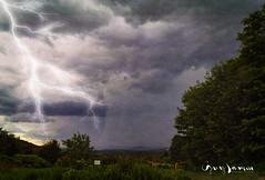 Tableau d'une exposition dans ma tête (guysamsonphoto) Tags: guysamson lightning éclair foudre pluie averse orage storm nuages clous victo victoriaville