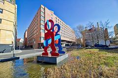 "Berlin - Potsdamer Platz, Skulptur ""Untitled (The Boxers)"" (www.nbfotos.de) Tags: berlin potsdamerplatz untitledtheboxers skulptur sculpture statue"