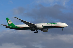 B777 B-16711 Eva Air (Avia-Photo) Tags: airport airline airliner aviacion aeroplane airplane aircraft airlines airliners aviation avion boeing boeing777 egll flugzeug jet luftfahrt lhr plane planespotting pentax spotter