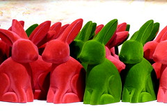 Happy Easter. Frohe Ostern. (remember moments) Tags: dietmarvollmer osterhase hare hase hasen red green rot grün easterbunny animal happyeaster froheostern collection accumulation multiple