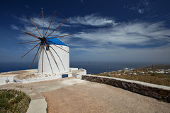 5 Islands: Sifnos – Windmill (Thomas Mulchi) Tags: cycladesislands cyclades 2016 spring islandhopping southaegean greece villagestownsbuidlings architecture artemonas egeo
