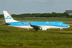 PH-EXZ (PlanePixNase) Tags: eddv haj hannover airport aircraft planespotting langenhagen embraer e175 e75 klm cityhopper