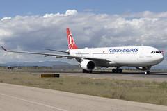 IMG_9060 (Pablo_90) Tags: plane planespotting lemd mad spo spotting airbus bo boeing a320 a330 a380 b737 b787 airport aircraft