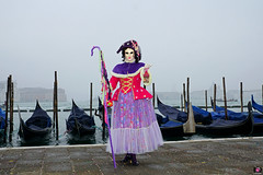 QUINTESSENZA VENEZIANA 2019 750 (aittouarsalain) Tags: carnaval carnevale venise venezia costume masque gondola gondole sangiorgio brouillard