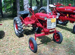 1951 McCormick Farmall Cub tractor 2924 (Tangled Bank) Tags: visiting stephen foster folk culture center state park white springs florida old classic heritage vintage cultural history historical museum rural south southern american dixie farm farming agriculture agricultural equipment 1951 mccormick farmall cub tractor 2924