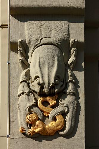 "KN-Verlagsgebäude (05) • <a style=""font-size:0.8em;"" href=""http://www.flickr.com/photos/69570948@N04/46935035564/"" target=""_blank"">Auf Flickr ansehen</a>"