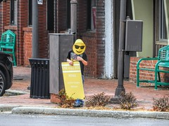 Child Labor, 32/100X (clarkcg photography) Tags: children advertise ad resale thriftshop pizza smile smileyface yellow muskogee oklahoma 100xthe2019edition 100x2019 image32100 streetphotography streetphotography2019x