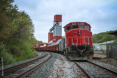 Tied Down (JaiJad) Tags: train railroad newenglandcentral necr necr3040 ballast emd gp402w franklin ct