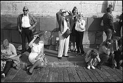 (Igor Baranchuk) Tags: rangefinder zeissikon москва 35mm bw analog film street 9may 9мая бессмертныйполк people crowd ilford ilfordpan