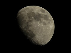 Luna de mayo / Flower Moon (kikeheart) Tags: luna moon canon sky astro canonpowershotsx60 night