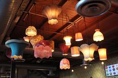 Plafonniers du Mac's Brewbar (philippeguillot21) Tags: café bar restaurant wellington nouvellezélande newzealand plafonnier abatjour lumière light pixelistes canon