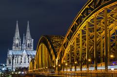 Kölner Dom... (wernerlohmanns) Tags: langzeitbelichtung blauestunde lichter deutschland landscape köln dom hohenzollernbrücke