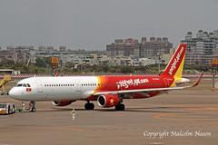 A321 VN-A683 VIETJET AIR (shanairpic) Tags: jetairliner passengerjet taiwan kaohsiung a321 airbusa321 vietjet vna683