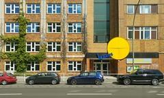 Berlin, Wilhemlstraße (Heiko Haberle) Tags: ddr gdr ostdeutschland ostmoderne socialist plattenbau edelplatte edel platte postmoderne postmodern kacheln ornament fassade facade beton concrete