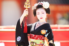 Maiko (Teruhide Tomori) Tags: kyoto japon japan heianjingushrine maiko performance tradition festival kimono stage 舞妓 京都 伝統 日本 着物 舞台 lady 踊り dance portrait event 平安神宮