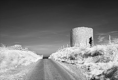 Stumpy (Vab2009) Tags: windmill topless stump stumproad countydown infrared mono