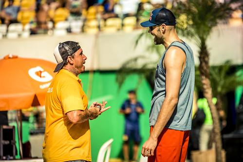 brazil-vs-usa-volleyball_32696200612_o