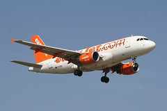 G-EZBX (IndiaEcho) Tags: gezbx a319 airbus easyjet u2 ezy london gatwick egkk lgw airport airfield crawley west sussex england canon eos 1000d civil aircraft aeroplaneaviation airliner approach landing sky 08