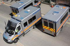 BX61DZS / KWD + BX58DYZ / AQF + BX61DZN / JNB Mercedes Sprinters of the Met Police (Ian Press Photography) Tags: police 999 emergency service services met metropolitan london officer officers van vans transport bx61dzs kwd bx58dyz aqf bx61dzn jnb mercedes sprinters merc benz sprinter roof code overhead