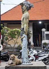 Sanur (Hans van der Boom) Tags: vacation holiday sawadee asia indonesia indonesie bali sanur beach ocena pacific statue animal dog