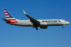 N886NN (American Airlines) (Steelhead 2010) Tags: americanairlines boeing b737 b737800 yyz nreg n886nn