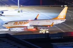 JEJU Air B737-800(WL) HL8302 001 (A.S. Kevin N.V.M.M. Chung) Tags: aviation aircraft aeroplane airport airlines plane spotting macauinternationalairport mfm night boeing b737800wl b737 beacon apron taxing