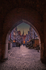 Gdansk old town (Vagelis Pikoulas) Tags: gdansk europe poland architecture old town square travel holidays city cityscape urban landscape tokina 1628mm canon 6d street door gate april spring 2019