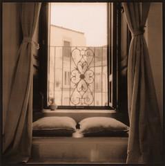 Camera con vista (Antonio's darkroom) Tags: agfa isola pinhole trix pyrocathd oriental newseagull lith moersch toned