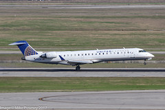 N796SK - 2010 build Bombardier CRJ700, arriving on Runway 08R at Houston (egcc) Tags: 796 10300 702er bombardier bush crj crj700 canadair houston iah intercontinental kiah lightroom n796sk skw skywest skywestairlines staralliance texas ua ual united unitedairlines unitedexpress