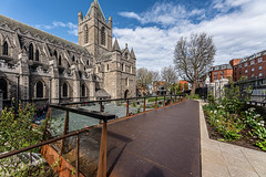CHRIST CHURCH CATHEDRAL IN DUBLIN [PHOTOGRAPHED USING A SIGMA 14mm LENS]-152089 (infomatique) Tags: christchurch cathedral gardenofpeaceandprayer cathedraloftheholytrinity stpatricks dublinandglendalough publicart sculpture monumentmemorial religion streetsofdublin churchofireland april 2019 williammurphy sony a7riii sigma 14mm wideanglelens infomatique fotonique
