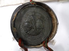 1467 - 'seal of Charles the Bold, duke of Burgundy', Stadsarchief, Leuven, province of Flemish Brabant, Belgium (roelipilami (Roel Renmans)) Tags: 1467 charles karl karel hertog herzog duke duc burgundy bourgogne burgund bourgondië brabant seal siegel sceau zegel joyous entry blijde intrede inkomst joyeuse entrée leuven louvain stadsarchief charter city archives ville armor armour horse armure harnas ritter armadura knight ridder chevalier brabante rüstung fleur de lys surcoat surcotte wappenrock wapenkleed wapenrok poleyn caparison sallet salade bold stoute kühne téméraire flanders vlaanderen