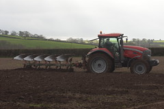 McCormick T3 XTX 185 Tractor with a Kverneland 5 Furrow Plough (Shane Casey CK25) Tags: mccormick t3 xtx 185 tractor kverneland 5 furrow plough rathcormac county cork ploughing till tilling tillage crop crops land field farm farmer farming agri agriculture red argo traktor traktori tracteur trekker trator turning sod soil machinery machine farmmachinery contractor ciągnik turningsod working work earth pulling pull horse power hp horsepower