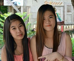pretty ladies (the foreign photographer - ฝรั่งถ่) Tags: two pretty woman pink khlong thanon portraits bangkhen bangkok thailand nikon d3200 ladies