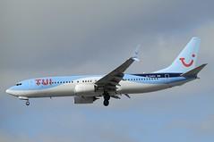 G-TAWU (LIAM J McMANUS - Manchester Airport Photostream) Tags: gtawu tuiairwaysuk tui tuiairways tom by tomjet boeing b737 b738 738 b73h 73h boeing737 boeing737800 egcc manchester man
