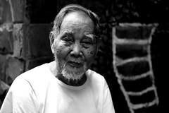 Le Mat.Hanoi.Vietnam (VincenzoMonacoo) Tags: canon 6d tamron 2470 vietnam hanoi le mat snakes old man bw faces travel adventure leica nikon