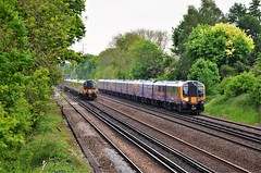 Passing trains.... (stavioni) Tags: class450 450125 450090 siemens desiro emu electric multiple unit rail train south western railway west trains