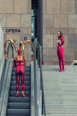 Lazy (sdupimages) Tags: heroes spiderman spiderwoman models cosplay costumes marvel shooting humour fun funny droles stairs escalier lazy feneant portrait