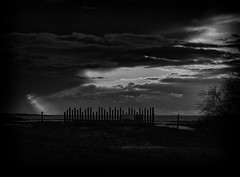 Still waiting for you... (Ageeth van Geest) Tags: slikkenvanflakkee horizon sky nature monochrome blackandwhite smileonsaturday fancyfence bw fence