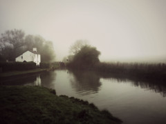 Misty Spring Morning On The Oxford Canal (Ian Campsall) Tags: iphone6 mist oxfordshire oxfordcanal thames picmonkey