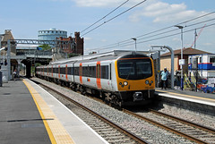 360202 Southall (CD Sansome) Tags: train trains station gwml great western main line heathrow connect express southall 360 360202 desiro