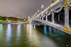 Pont Alexandre III - Paris (gilles_t75) Tags: france gillest hdr nikkor1024mmf3545 nikon photomatix bracketing exposurefusion highdynamicrange photohdr tonemapping îledefrance parisvii 75007 paris75 pontalexandreiii