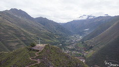 Chicon (Kusi Seminario) Tags: cruz cross landscape paisaje selfie drone mavic dji mavicair mountains montañas nature outdoors hike trail camino trecking andes andean southamerica latinamerica peru cusco urubamba sacredvalley valley valle