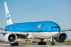 KLM 777-200ER YYZ/CYYZ (Sonny Photography) Tags: klm 777 772 777200er boeing blue nikon 70300mm airplane aircraft airliner jet aviation yyz cyyz